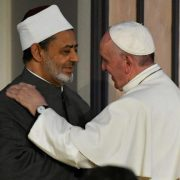 FEB_Papa-Francesco-e-Grande-Imam-di-Al-Azhar-Ahmad-Al-Tayyib